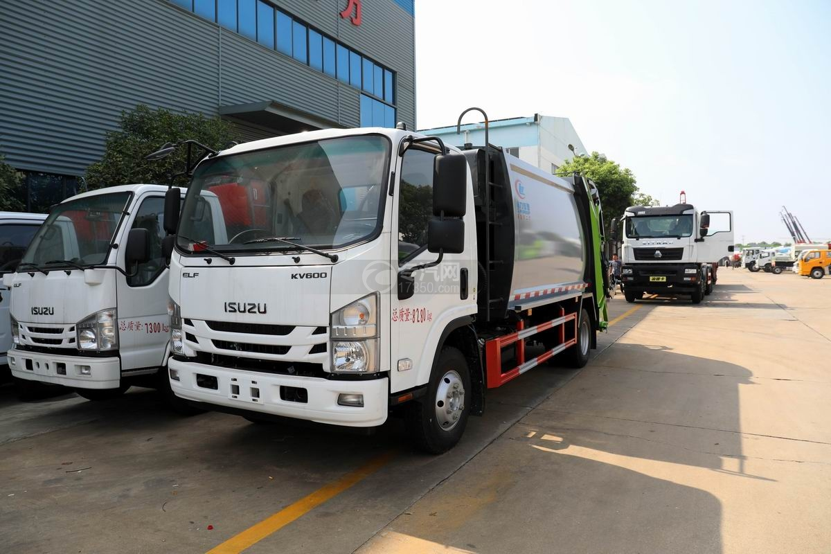 庆铃五十铃KV600压缩式垃圾车图片