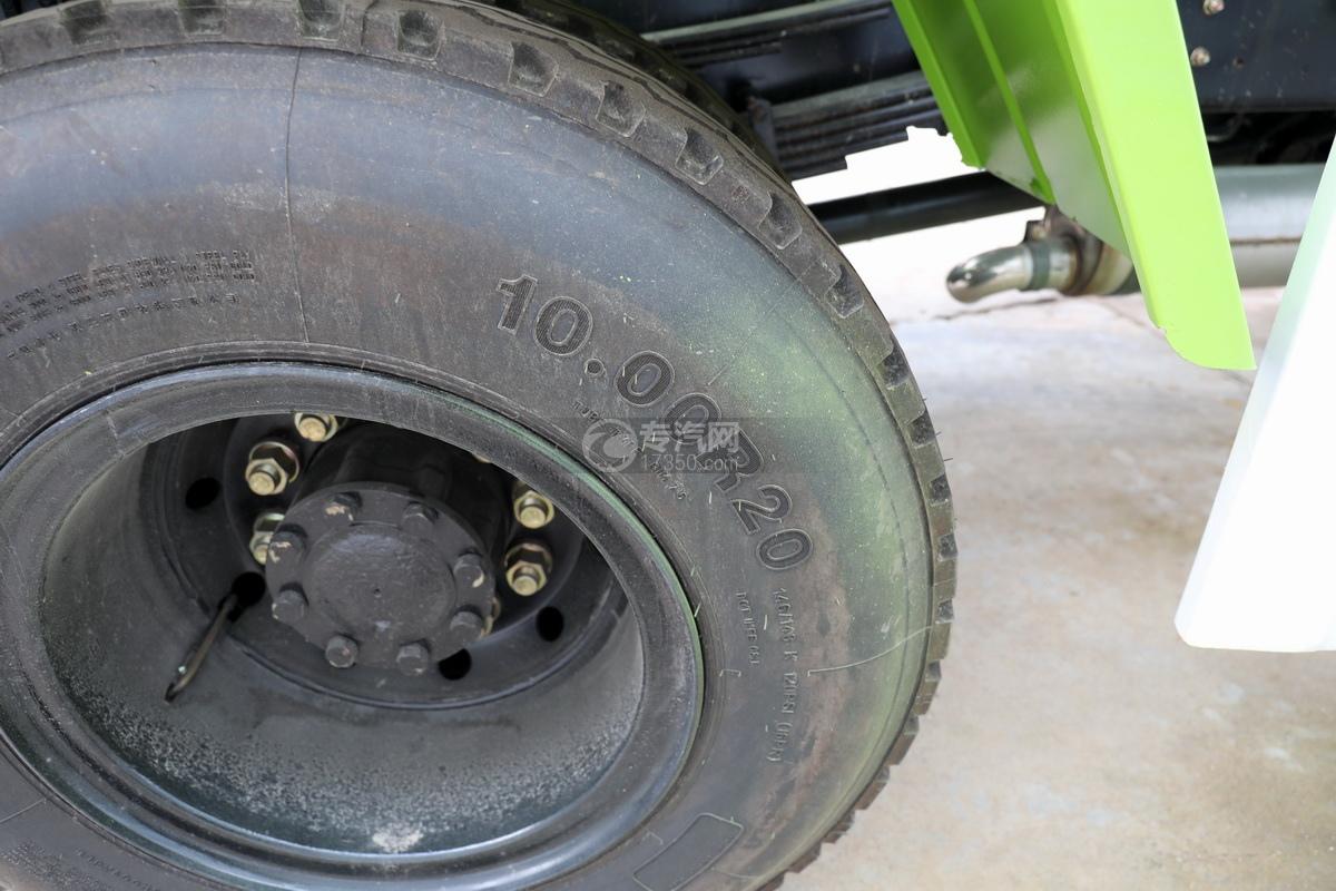 東風天錦單橋攪拌車輪胎細節