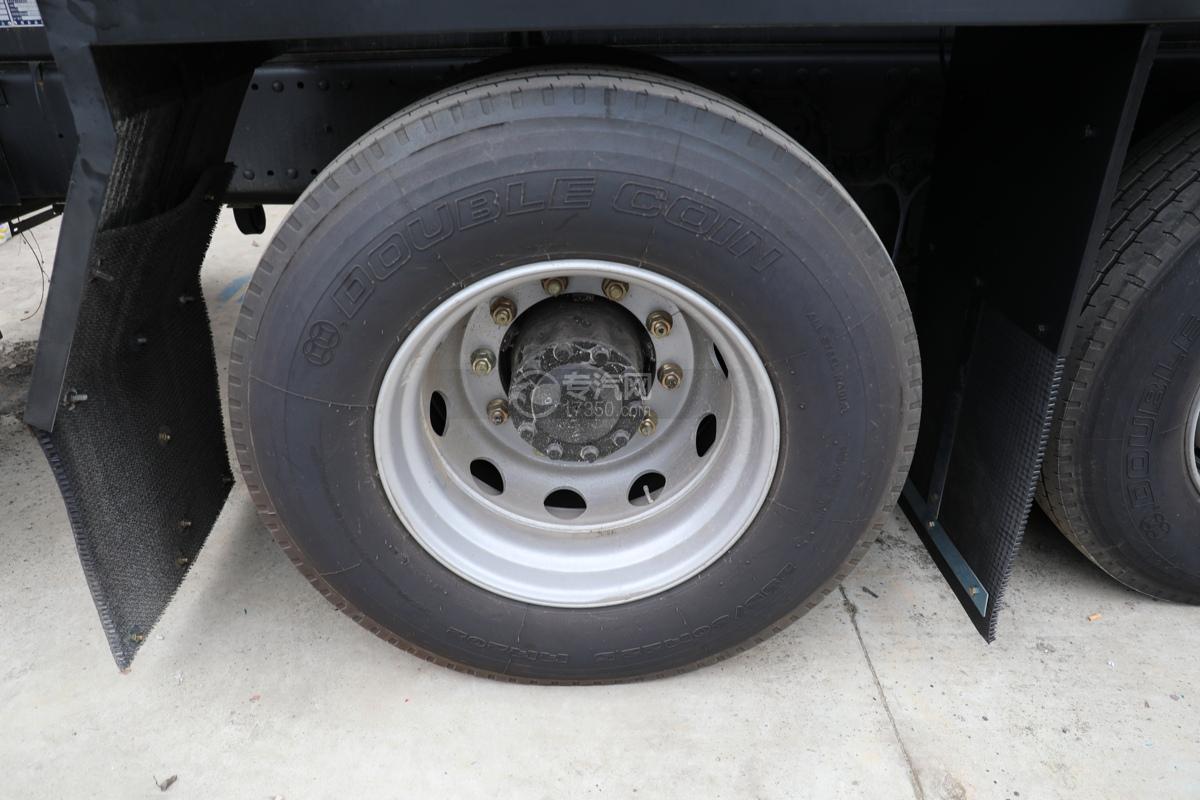 解放新悍V2.0前四后六国五18.1方腐蚀性物品罐式运输车轮胎
