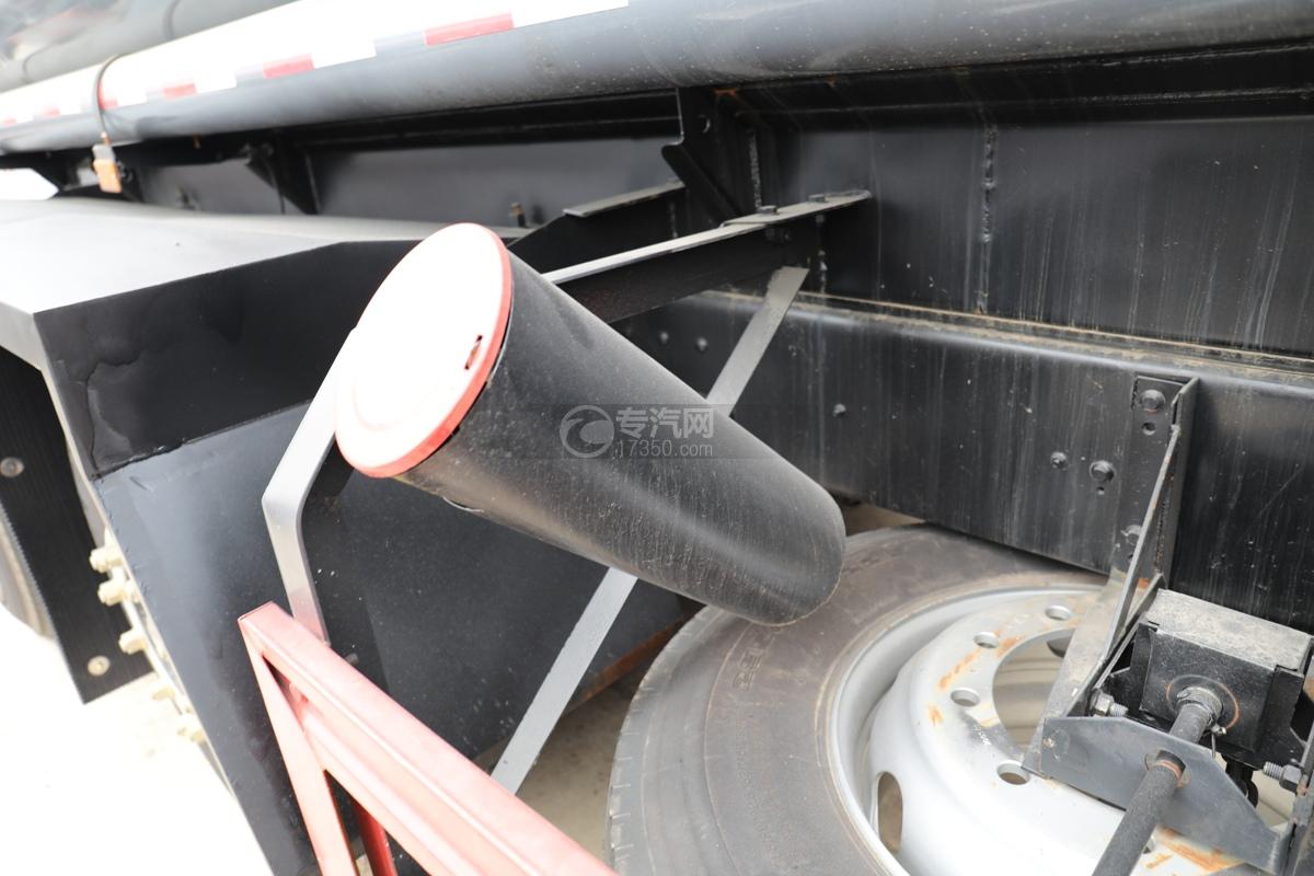 解放新悍V2.0前四后六国五18.1方腐蚀性物品罐式运输车灭火器