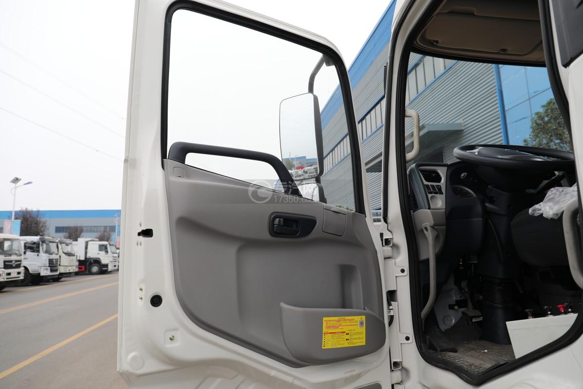 东风天锦VR国六80米多功能抑尘车带滚雪刷门窗
