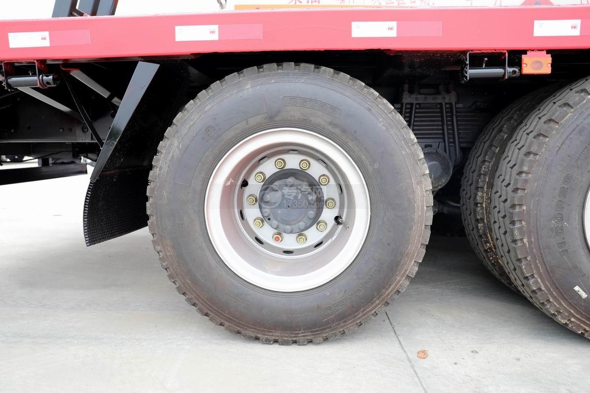 东风柳汽乘龙H5前四后八平板运输车轮胎