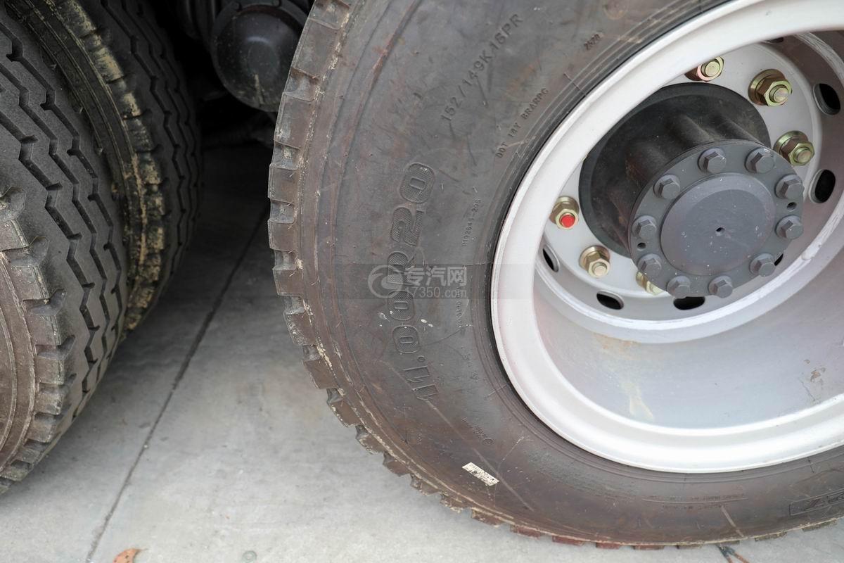 东风柳汽乘龙H5前四后八平板运输车轮胎规格