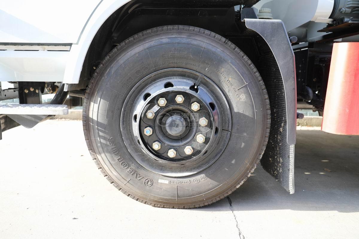 东风专底D3国六散装饲料运输车轮胎