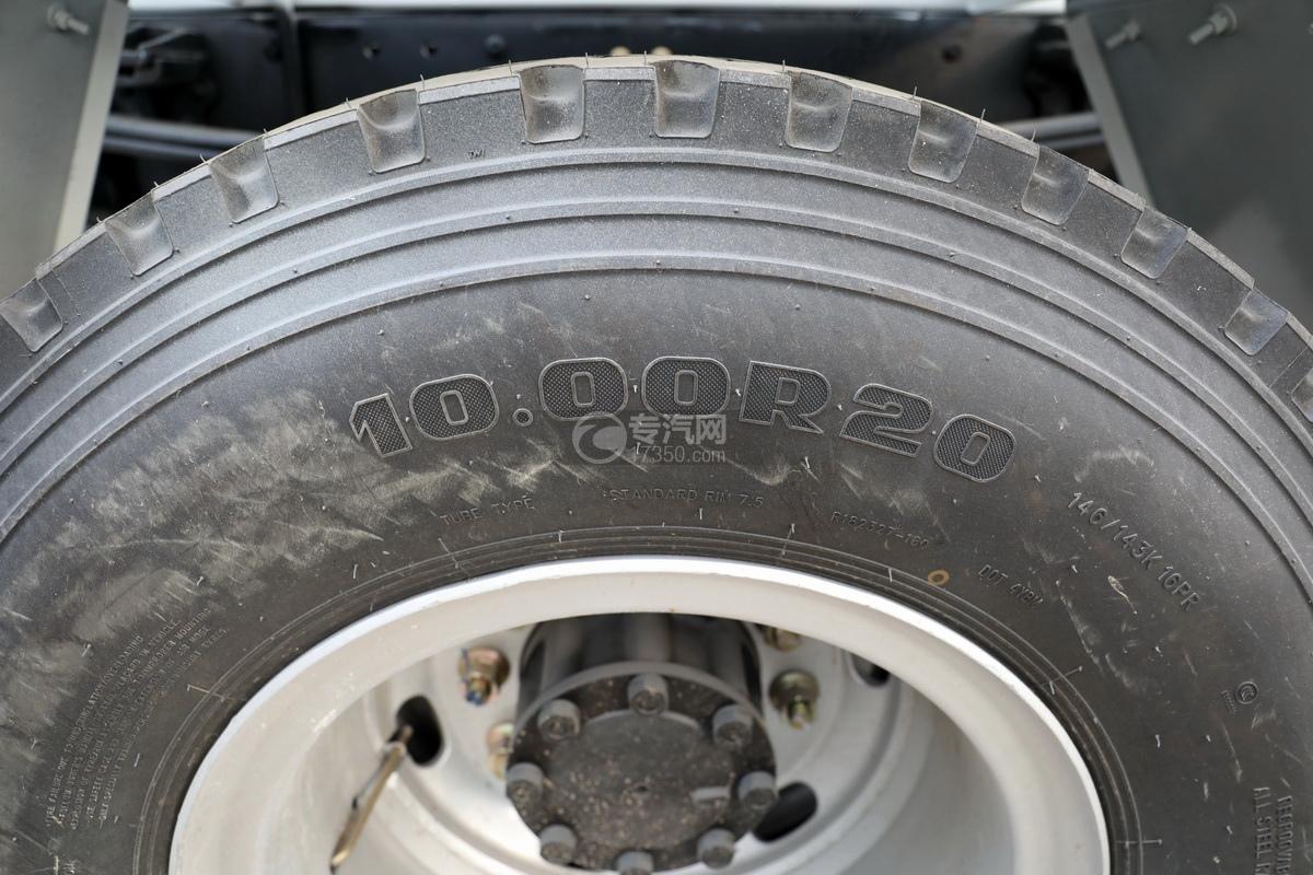 大運運途單橋國六3.57方攪拌車輪胎細節