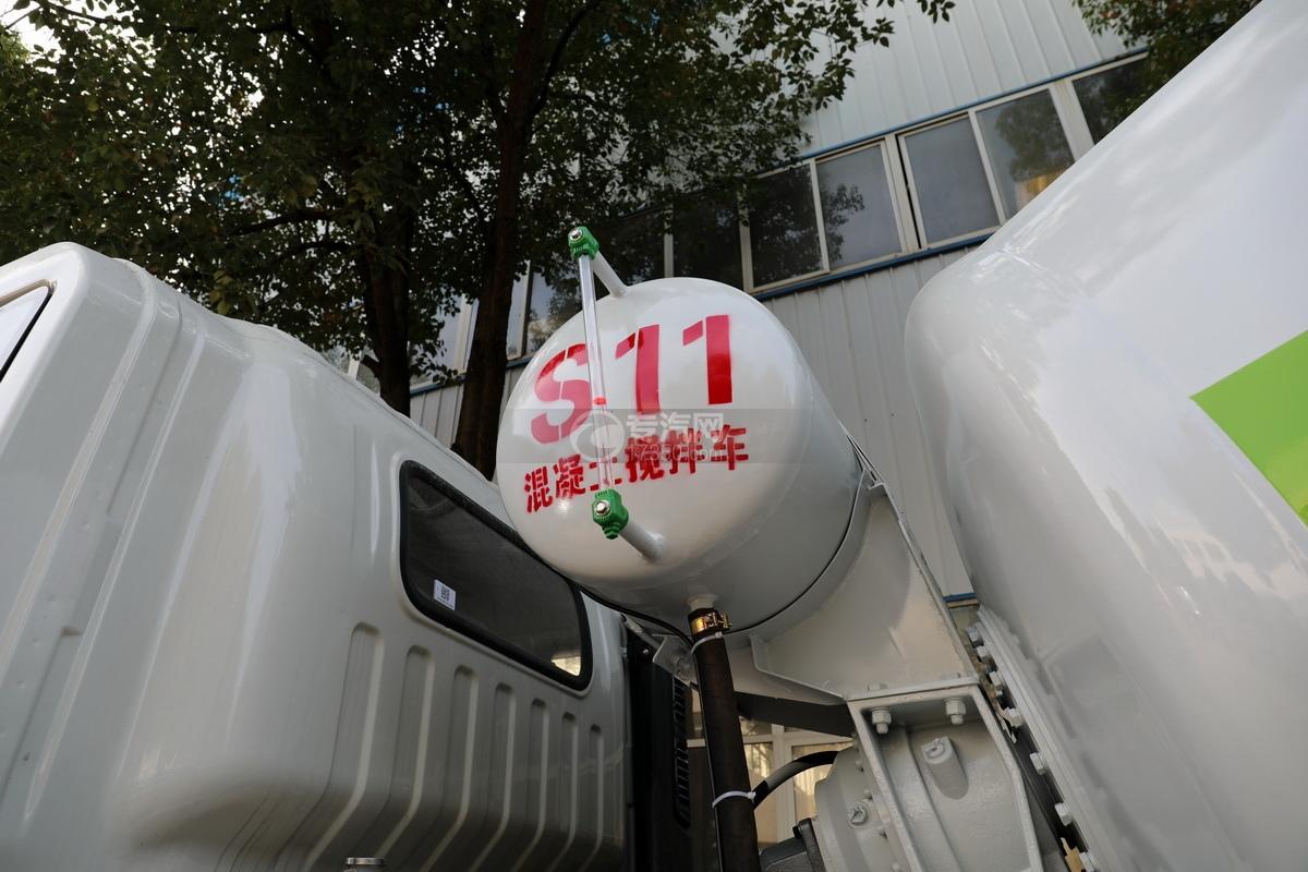 大運運途單橋國六3.57方攪拌車壓力水箱
