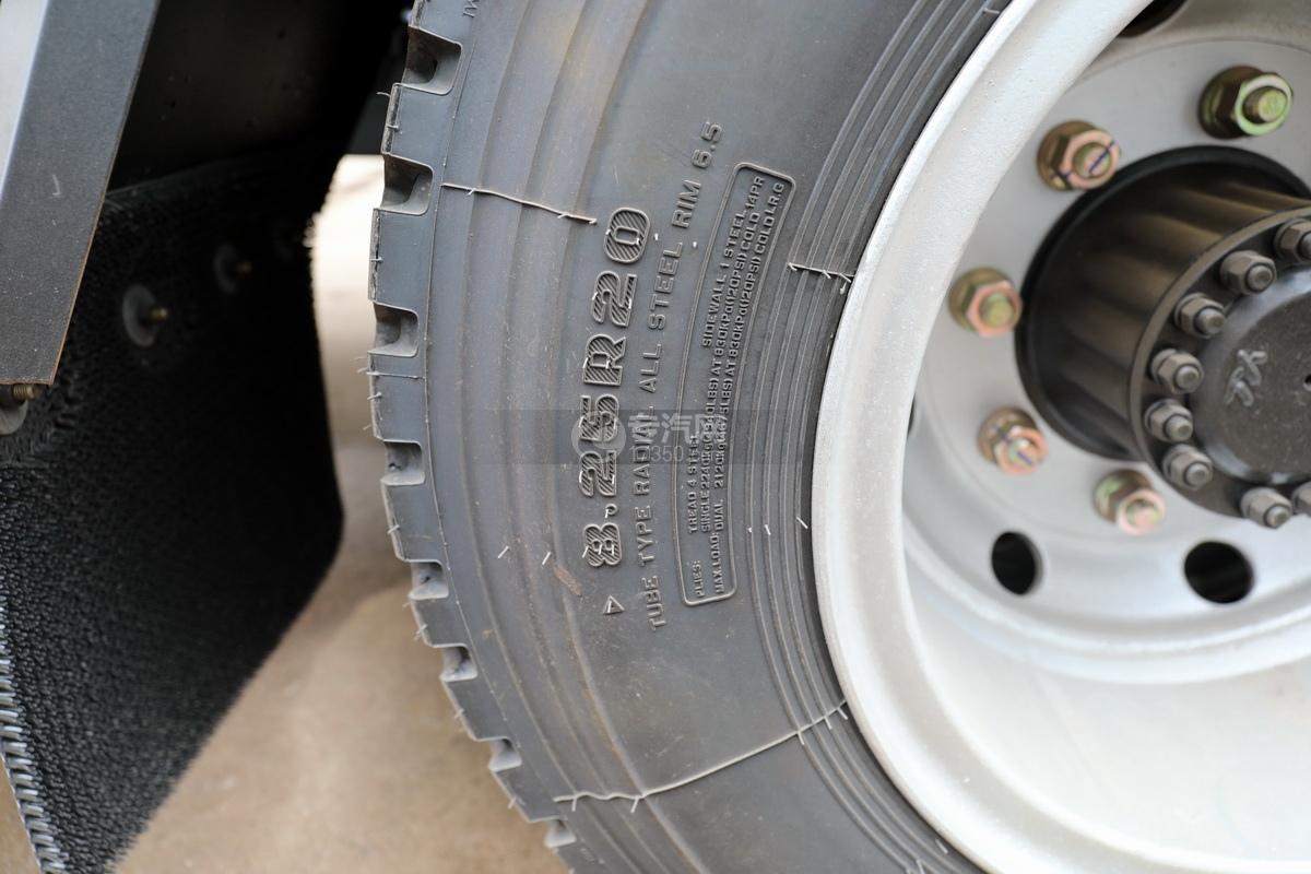 东风凯普特K8国六一拖二黄牌清障车轮胎细节