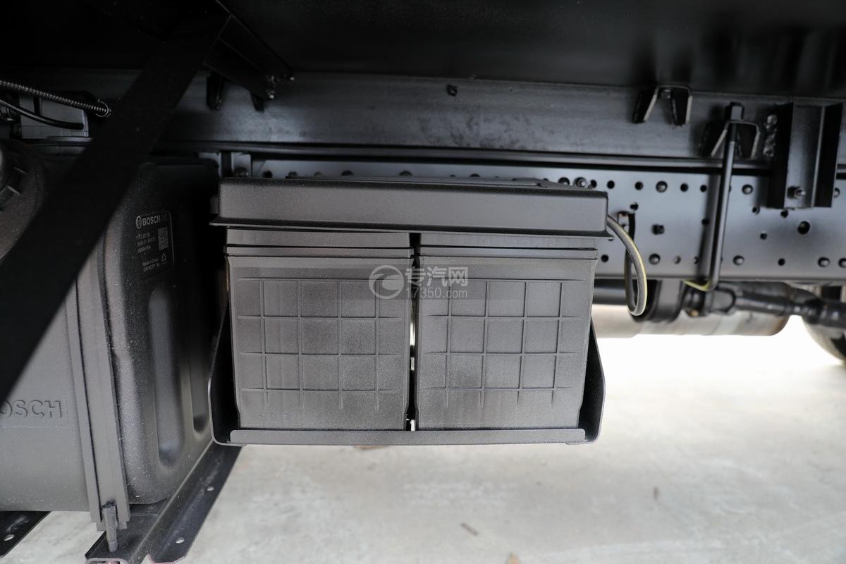 五十铃KV100国六雏禽运输车蓄电池