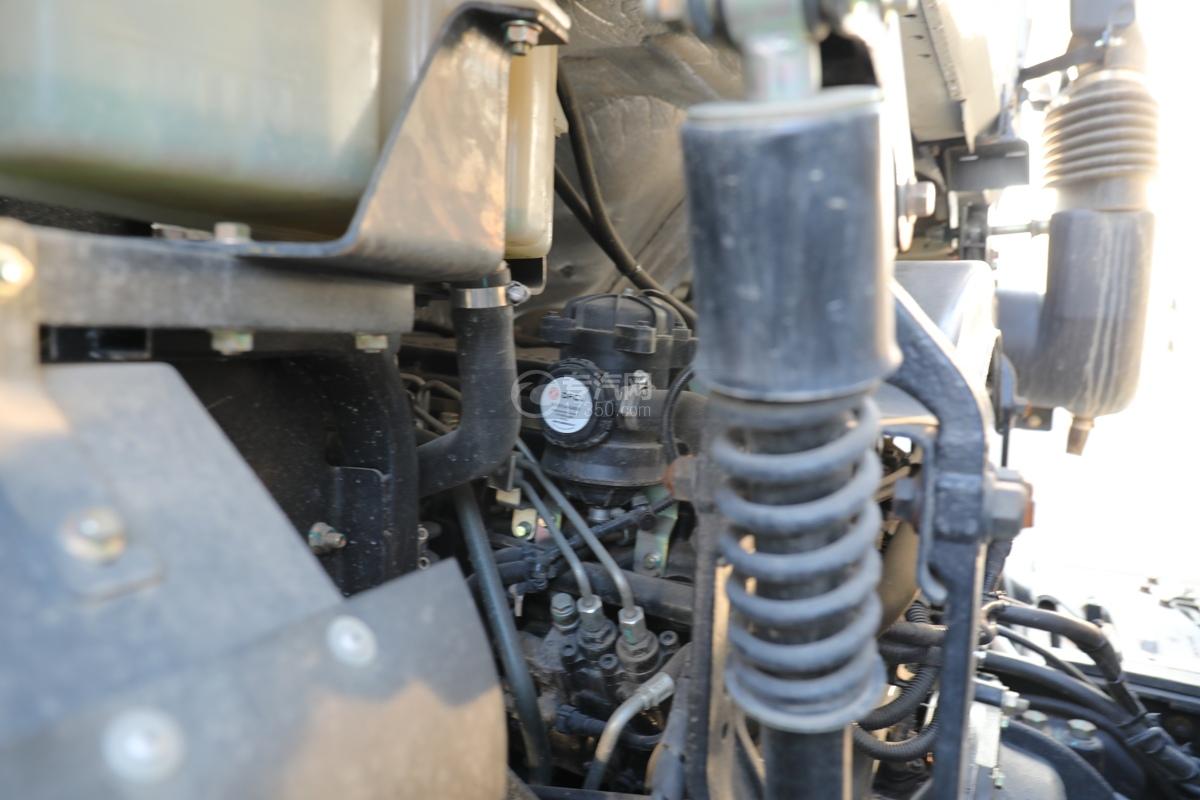 东风锦程V6前四后八国六9.5米杂项危险物品厢式运输车发动机