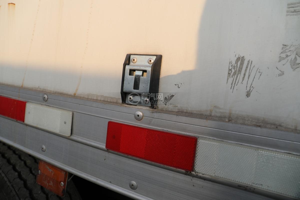 东风锦程V6前四后八国六9.5米杂项危险物品厢式运输车扣环