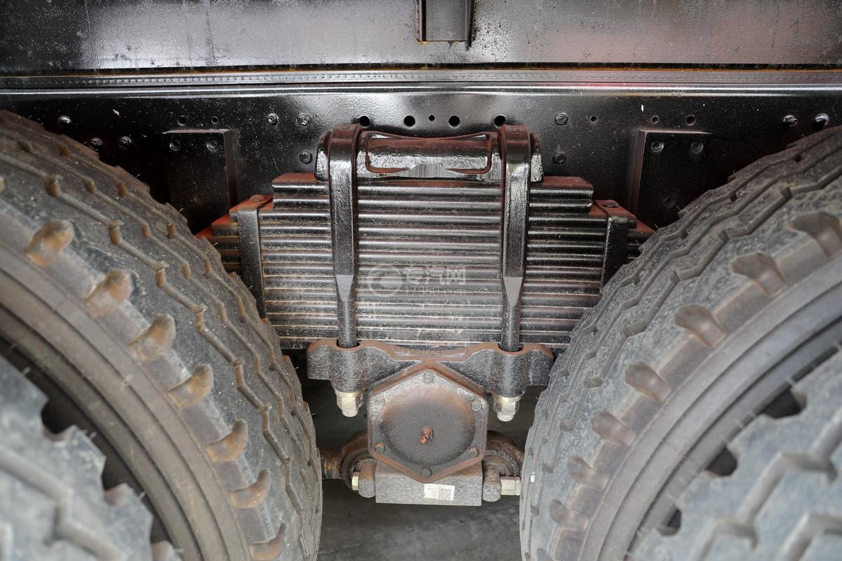 东风华神T5后双桥国六17.96方清洗吸污车钢板弹簧