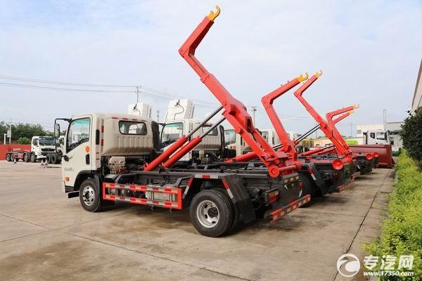 车厢可卸式垃圾车伸缩臂与直臂直观图