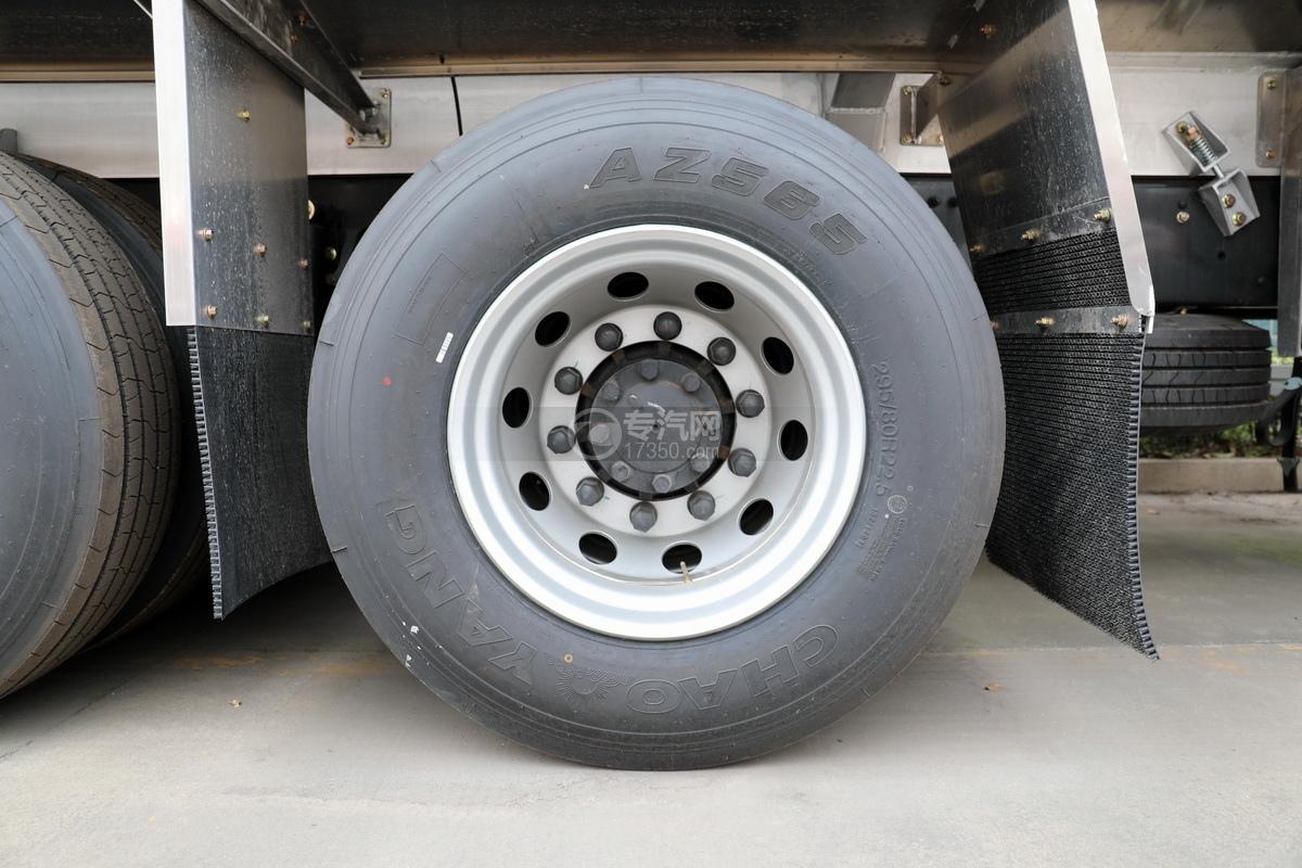 东风天龙KL前四后八国六29.7方铝合金运油车轮胎