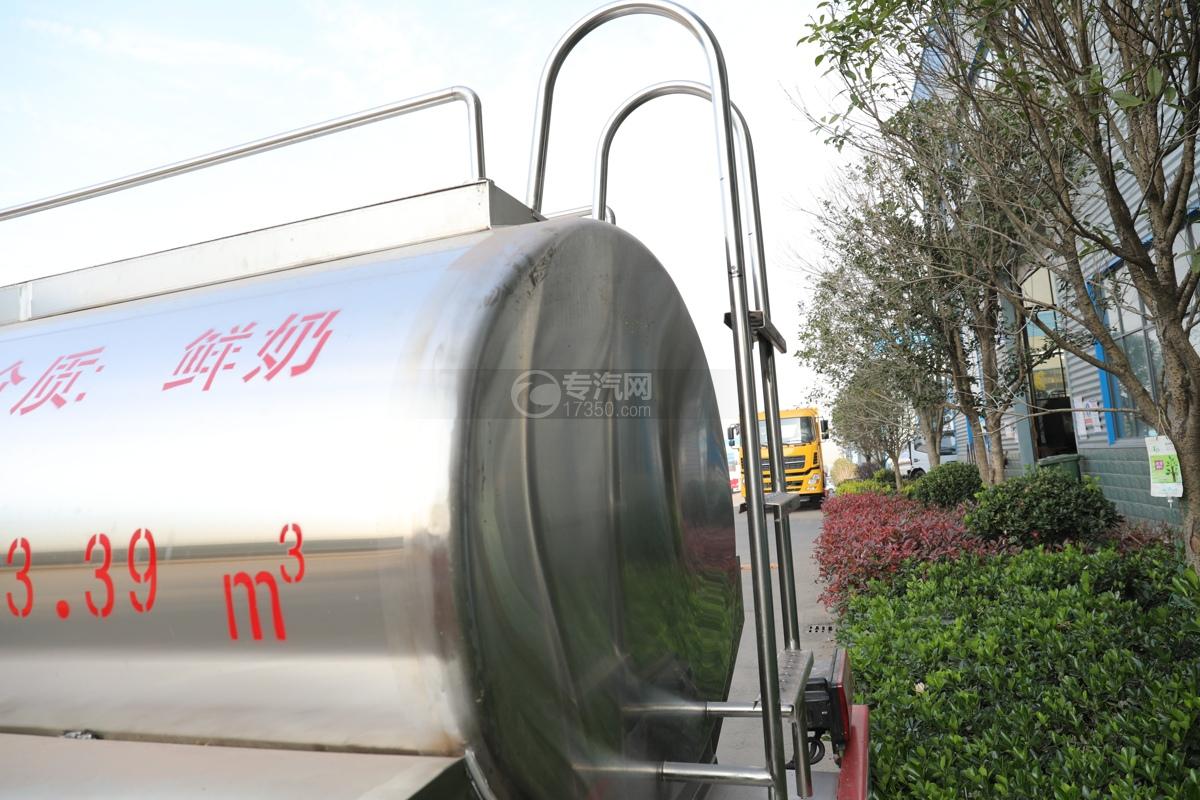 东风小多利卡国五3.39方鲜奶运输车爬梯