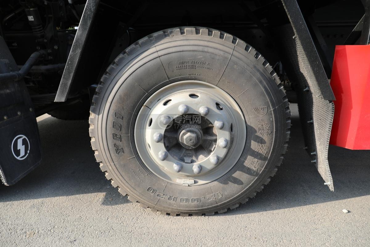 陕汽德龙新M3000前四后八国六27.7方供液车轮胎