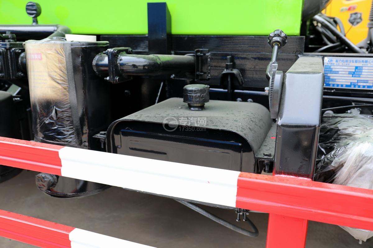 东风福瑞卡F6国六3.75方吸污车液压油箱