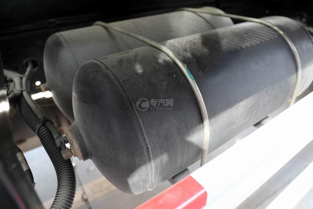 解放J6L国六吸尘车储气罐
