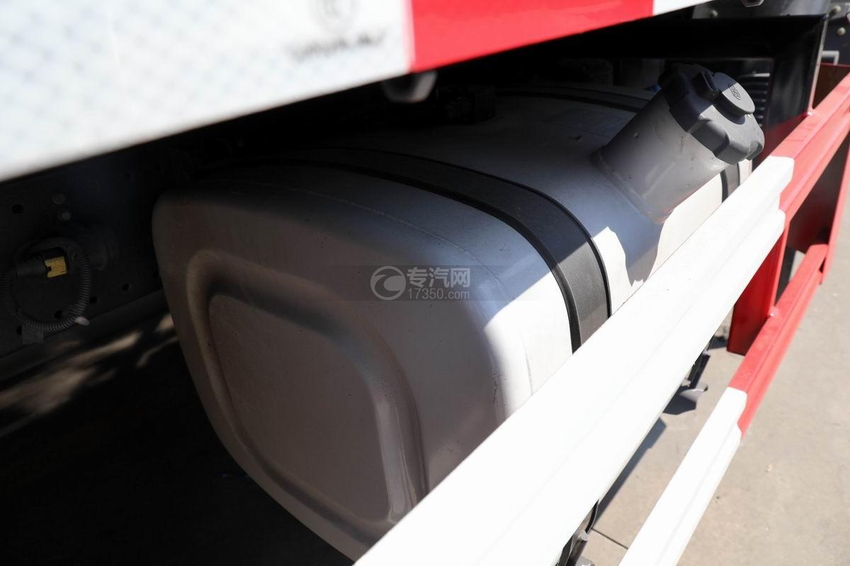 解放J6L国六吸尘车油箱