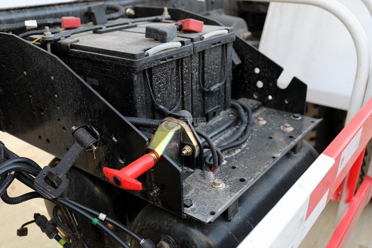 东风福瑞卡F7国六3.98方搅拌车蓄电池