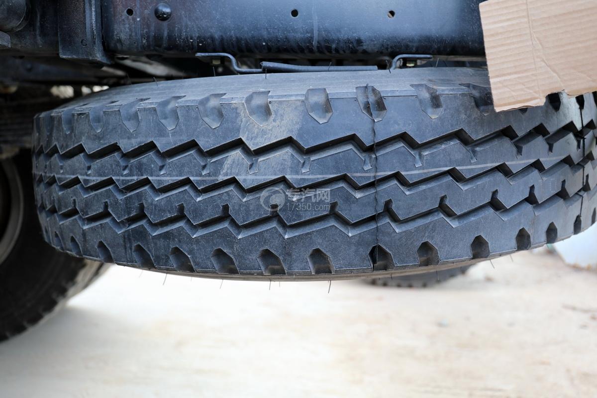 东风福瑞卡F7国六3.98方搅拌车备胎