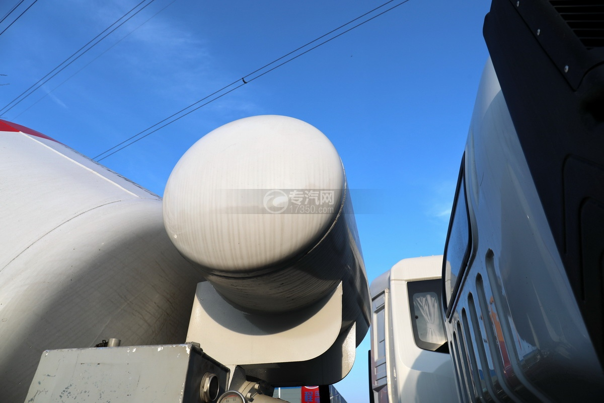 东风福瑞卡F7国六3.98方搅拌车压力水箱