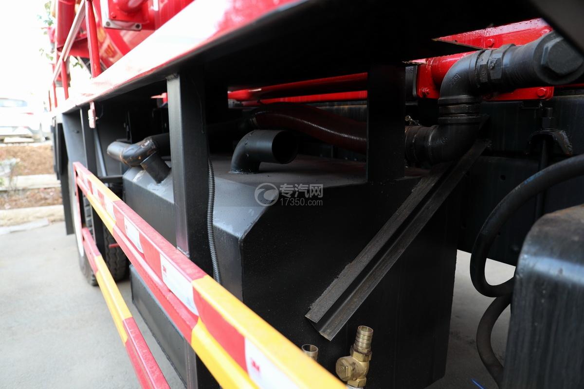 东风柳汽乘龙M3单桥国六12.17方清洗吸污车水循环系统