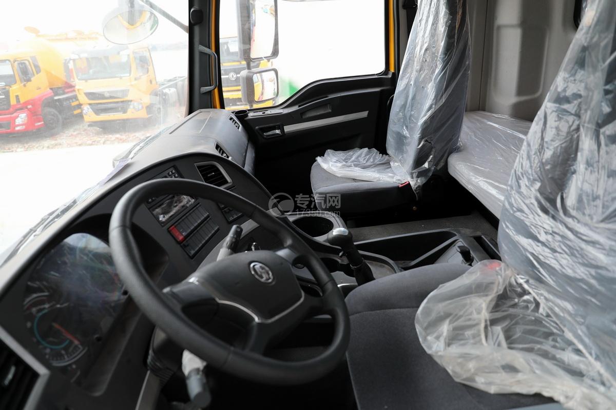 陕汽德龙新M3000后双桥国六16.79方清洗吸污车驾驶室