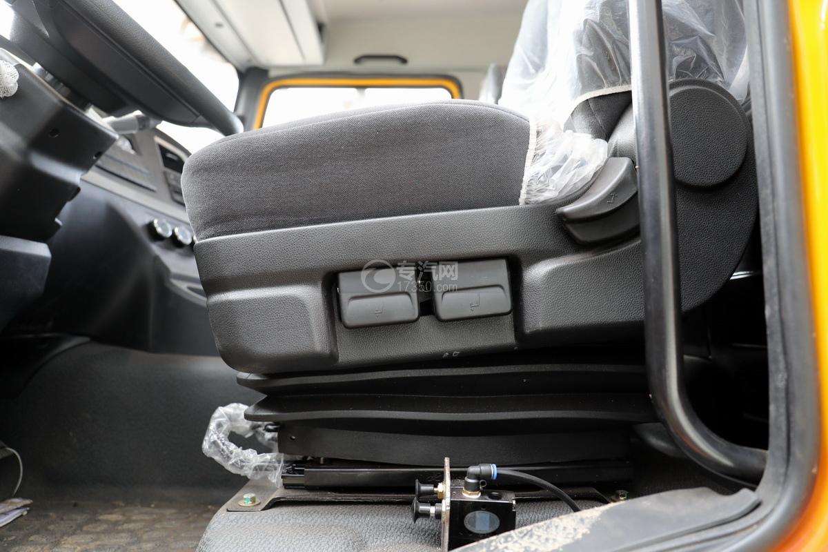陕汽德龙新M3000后双桥国六16.79方清洗吸污车气囊座椅
