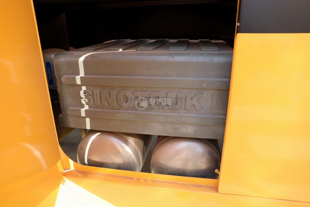 重汽豪沃TX350后雙橋國六拖吊聯體清障車蓄電池