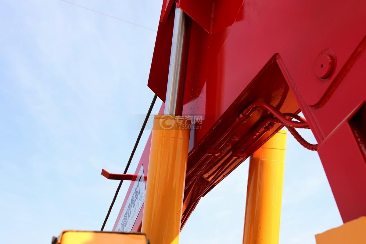 重汽豪沃TX350后雙橋國六拖吊聯體清障車油缸