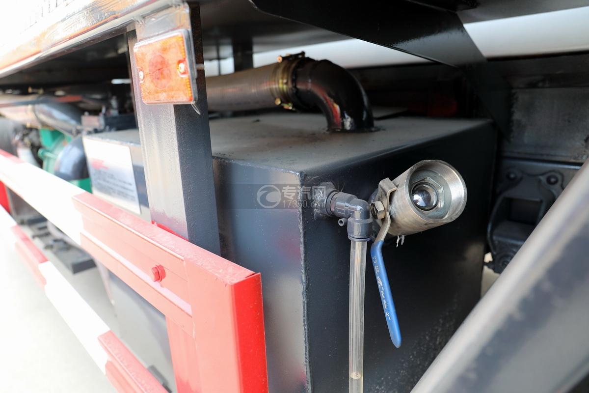东风多利卡D7国六清洗吸污车循环水箱