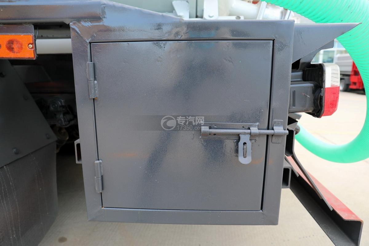 东风多利卡D7国六清洗吸污车工具箱
