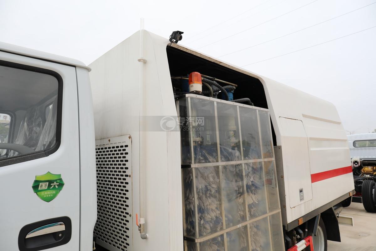 東風多利卡D6國六護欄清洗車攝像頭