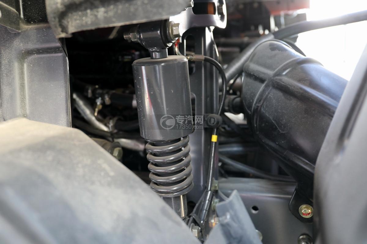 东风柳汽乘龙H5单桥国六铝合金畜禽运输车弹簧减震驾驶室