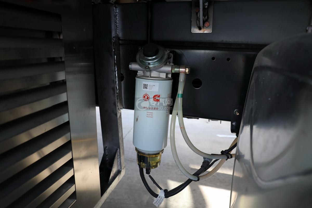 东风柳汽乘龙H5单桥国六铝合金畜禽运输车油水分离器