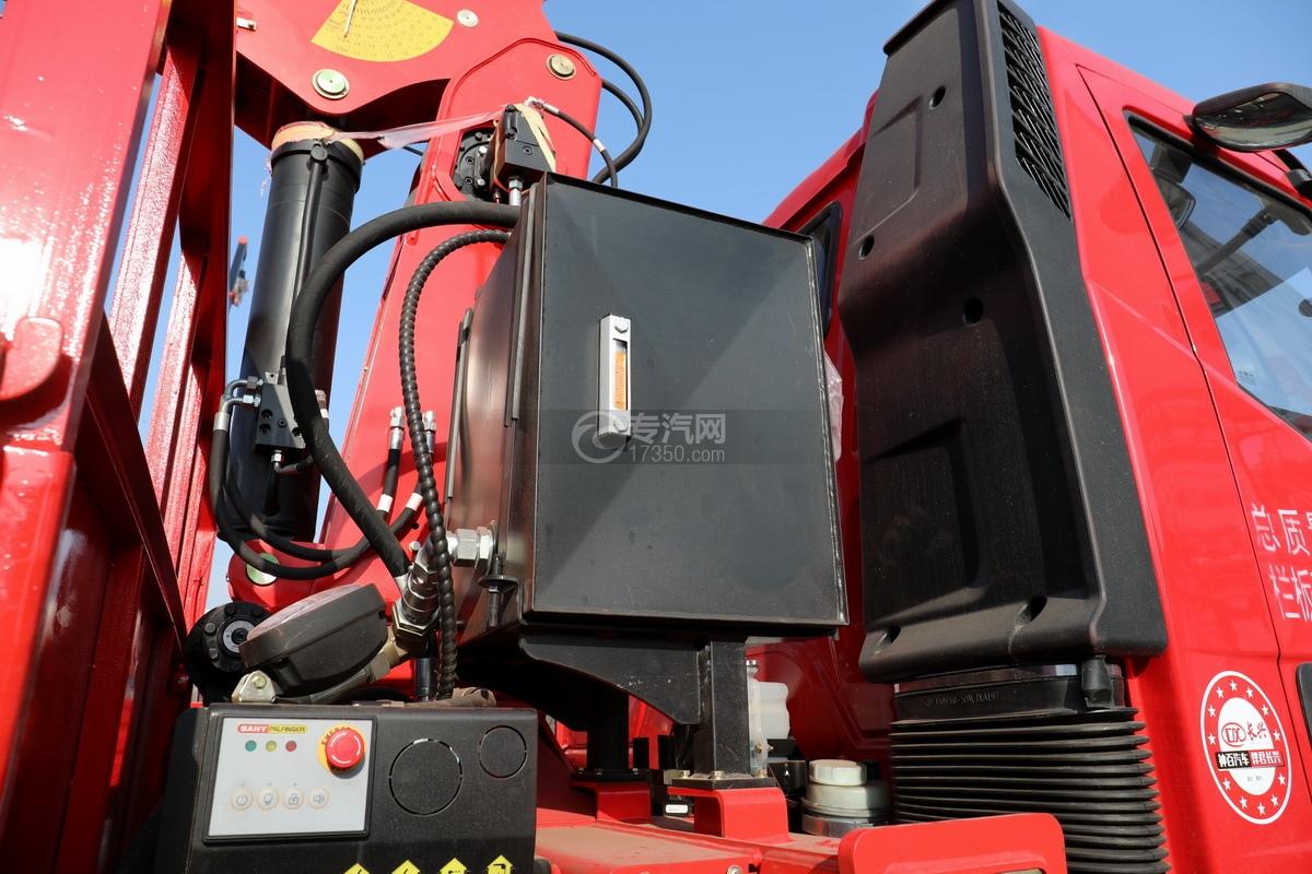 解放J6L单桥国五三一8吨直臂随车吊液压油箱