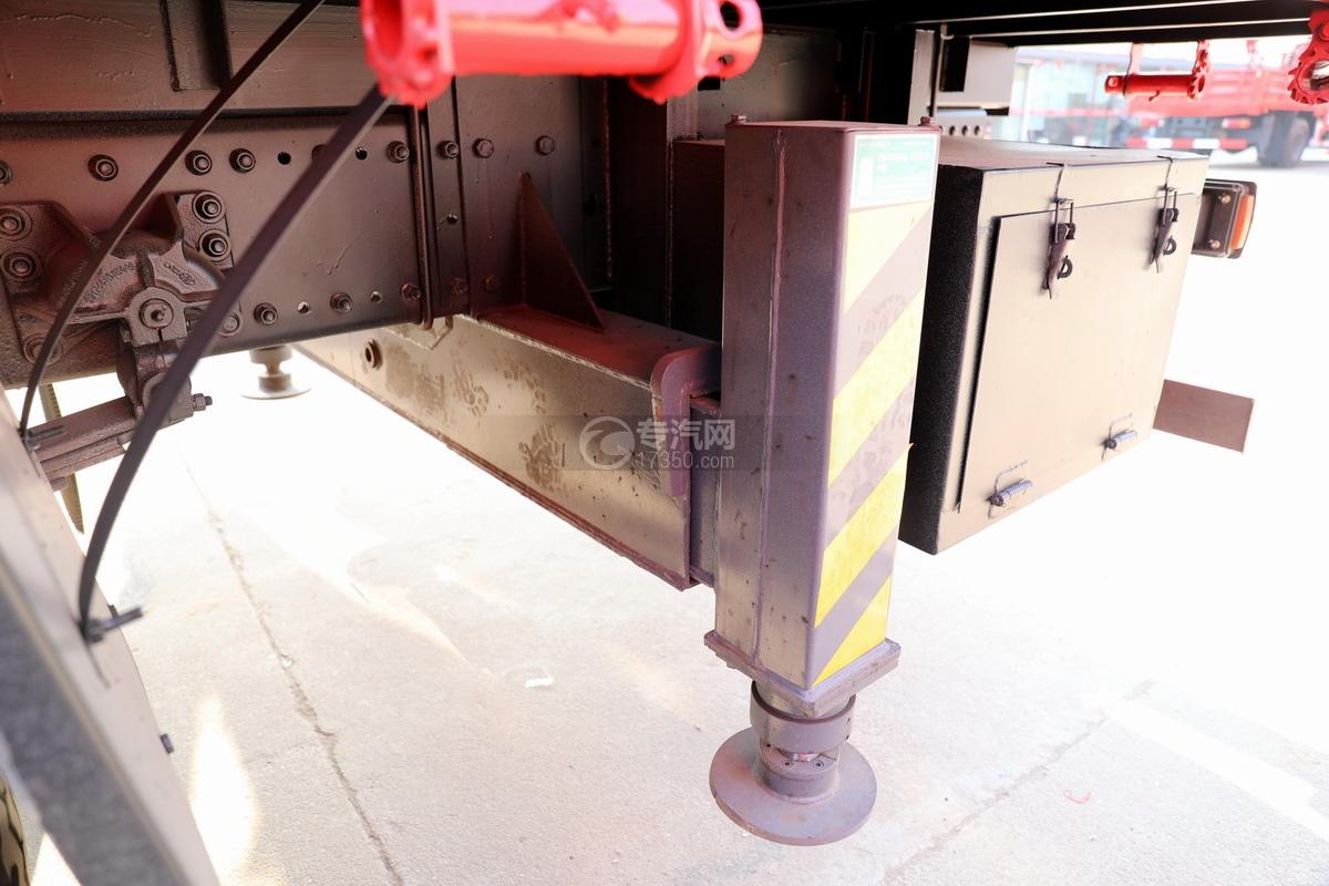解放J6L单桥国五三一8吨直臂随车吊后支腿