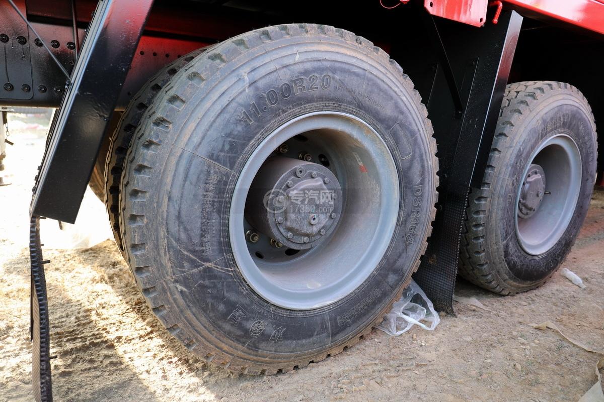 重汽豪瀚N5W前四后八国六长兴14吨直臂随车吊轮胎