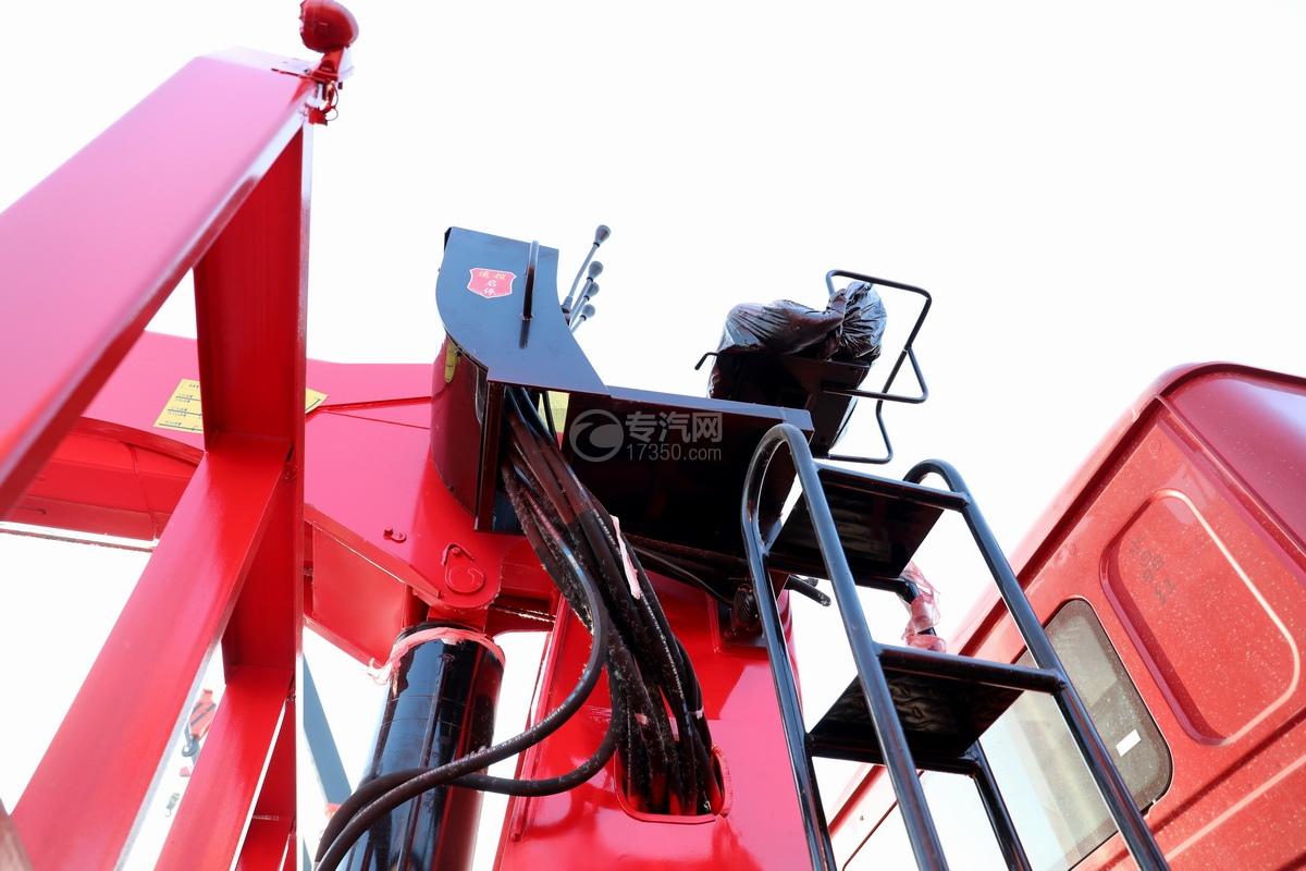 重汽豪瀚N5W前四后八国六长兴14吨直臂随车吊高位座椅