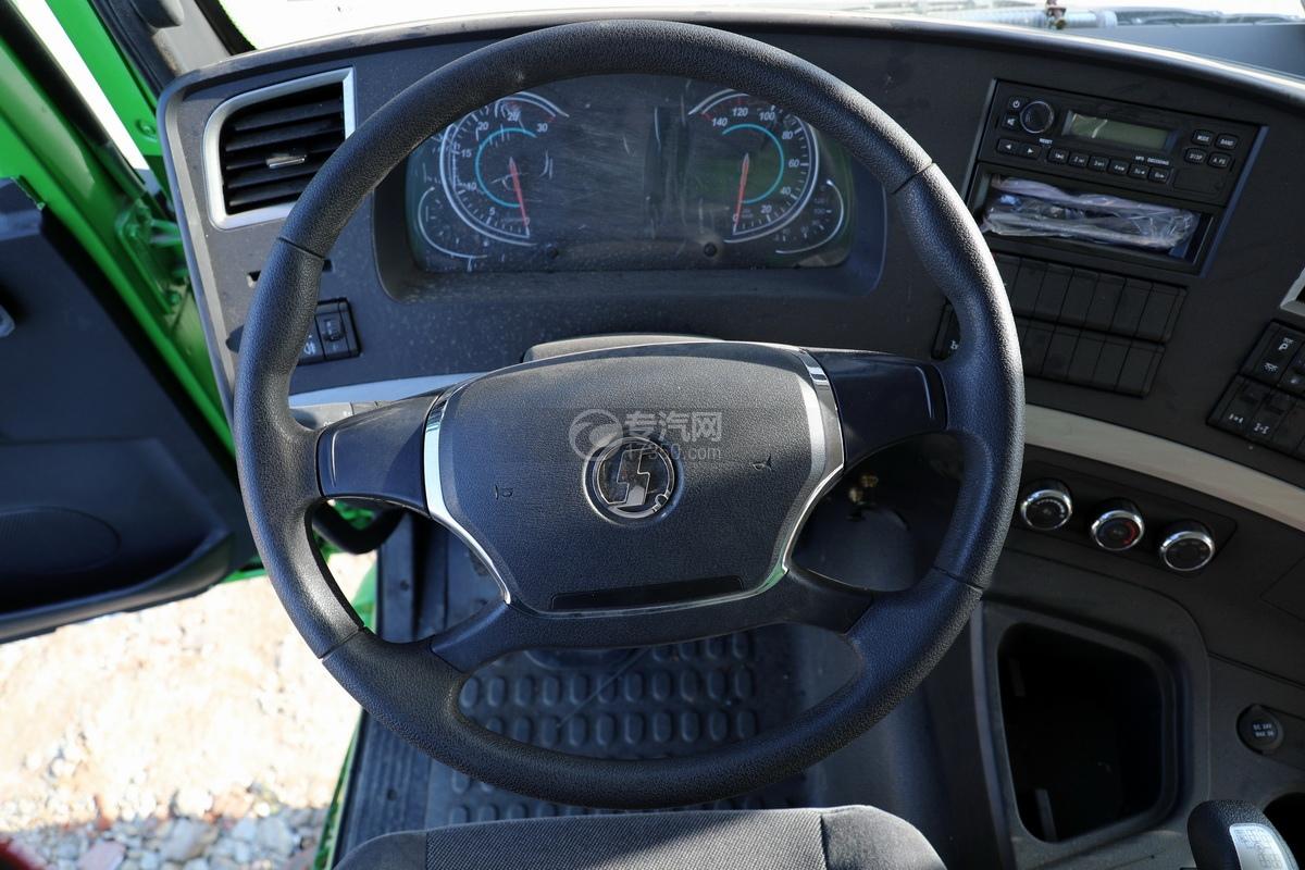 陕汽德龙新M3000后双桥国六16.79方清洗吸污车(绿色)方向盘