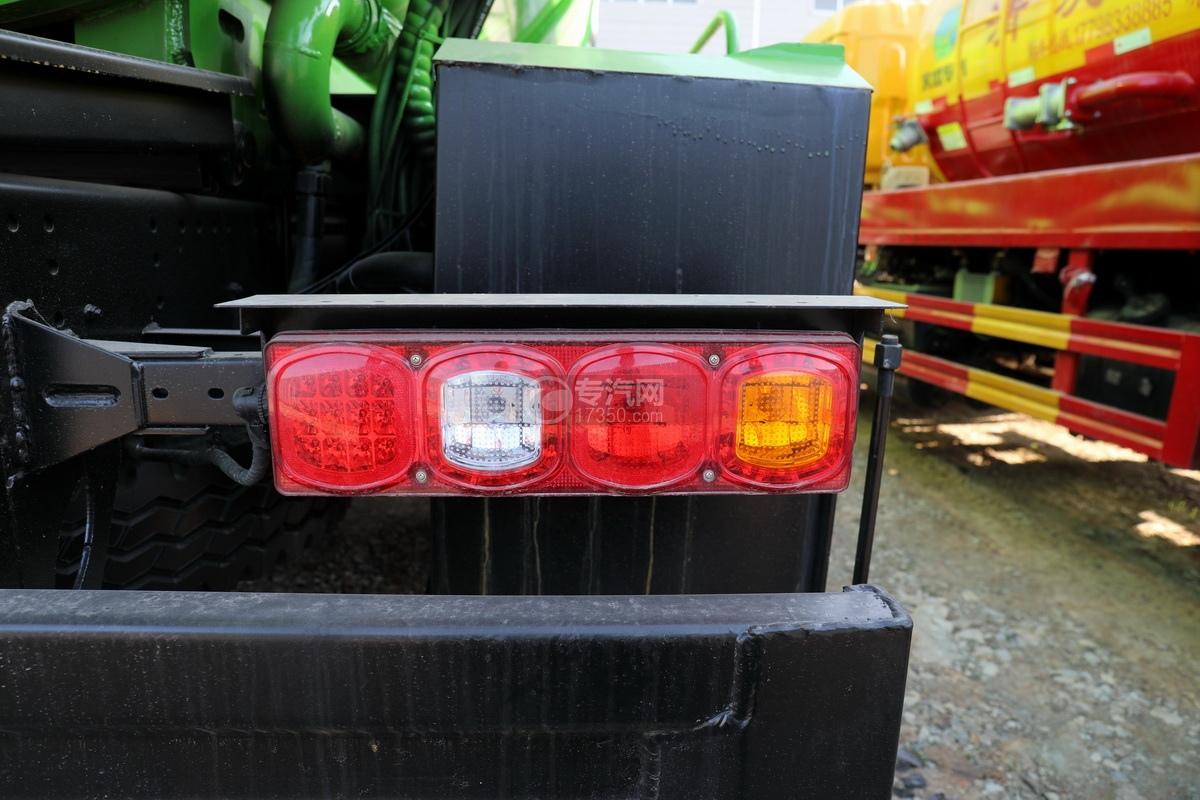 陕汽德龙新M3000后双桥国六16.79方清洗吸污车(绿色)尾灯