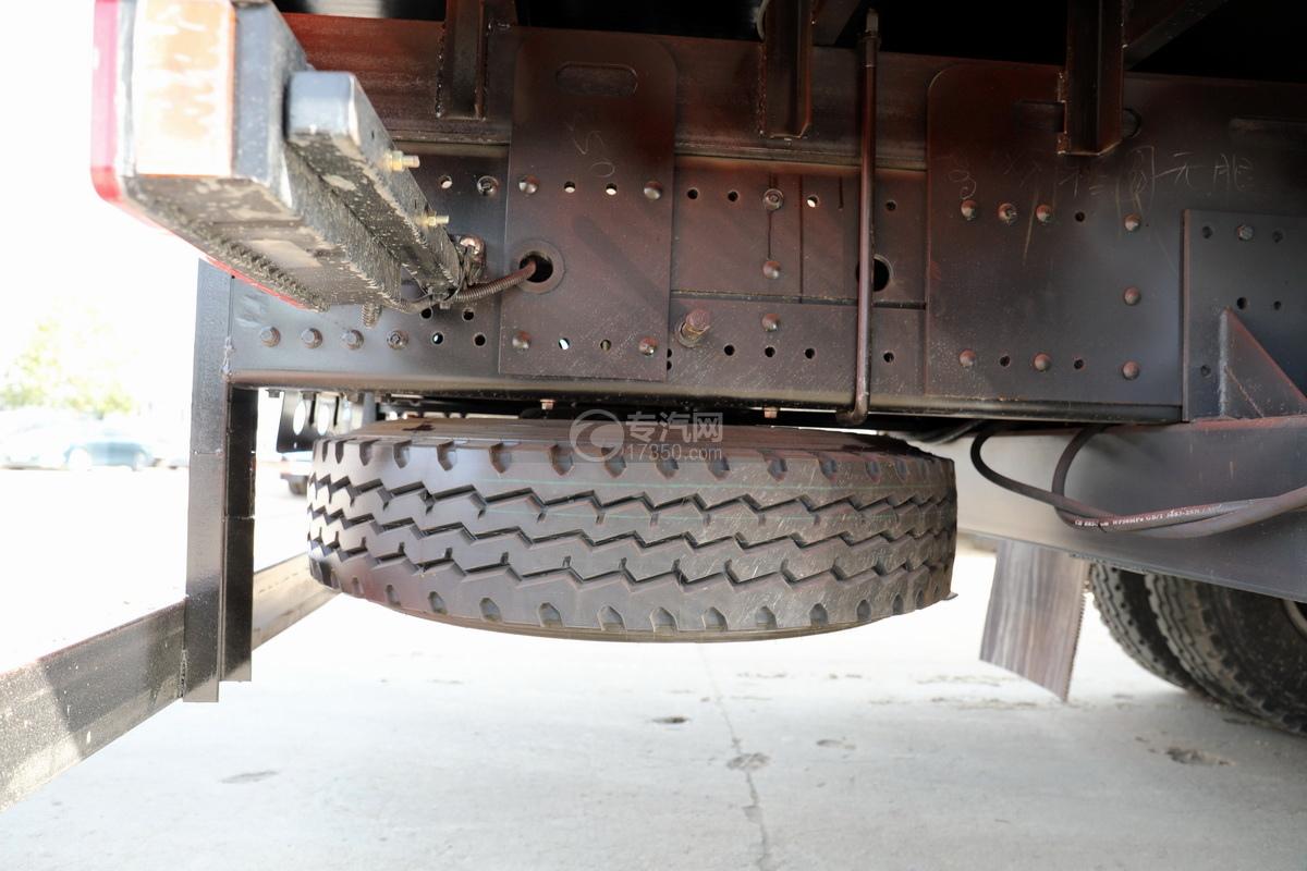 東風華神T5單橋國五8噸直臂隨車吊備胎