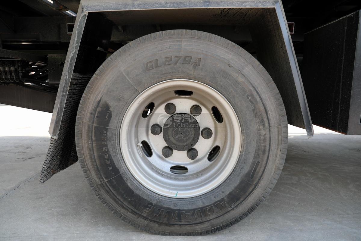 大运祥龙3900轴距国六一拖二清障车(白色)轮胎