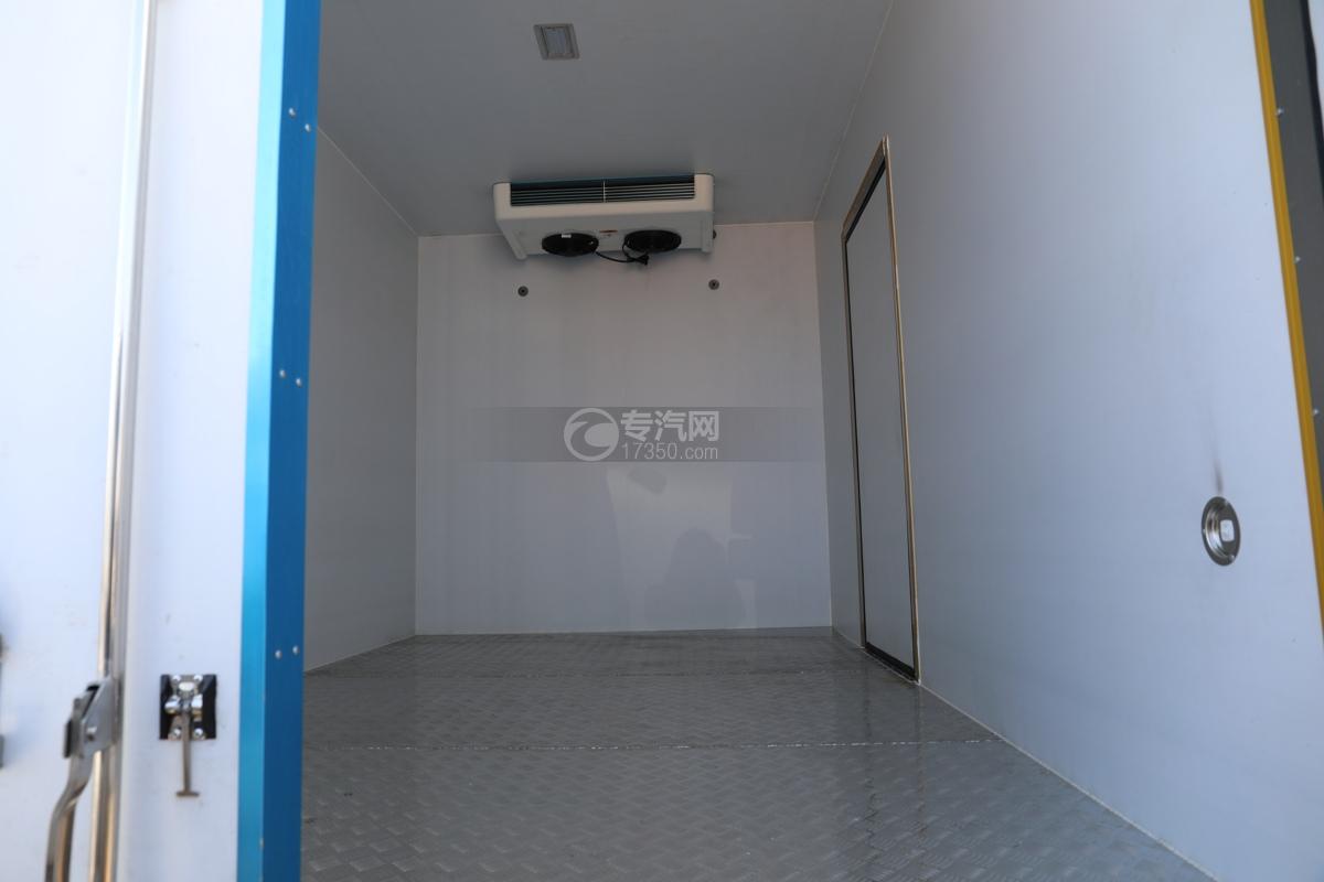 福田康瑞H2国六4米冷藏车冷藏机组内机
