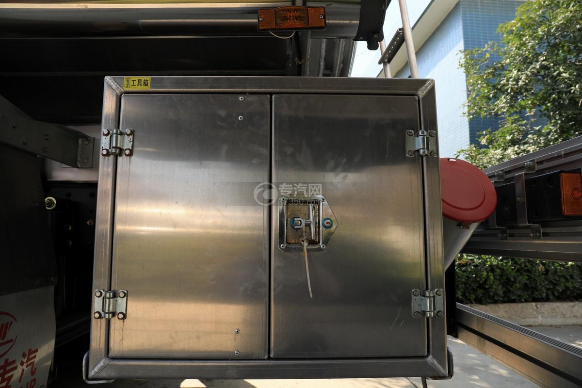 東風天龍后雙橋國五20.1方鋁合金運油車工具箱