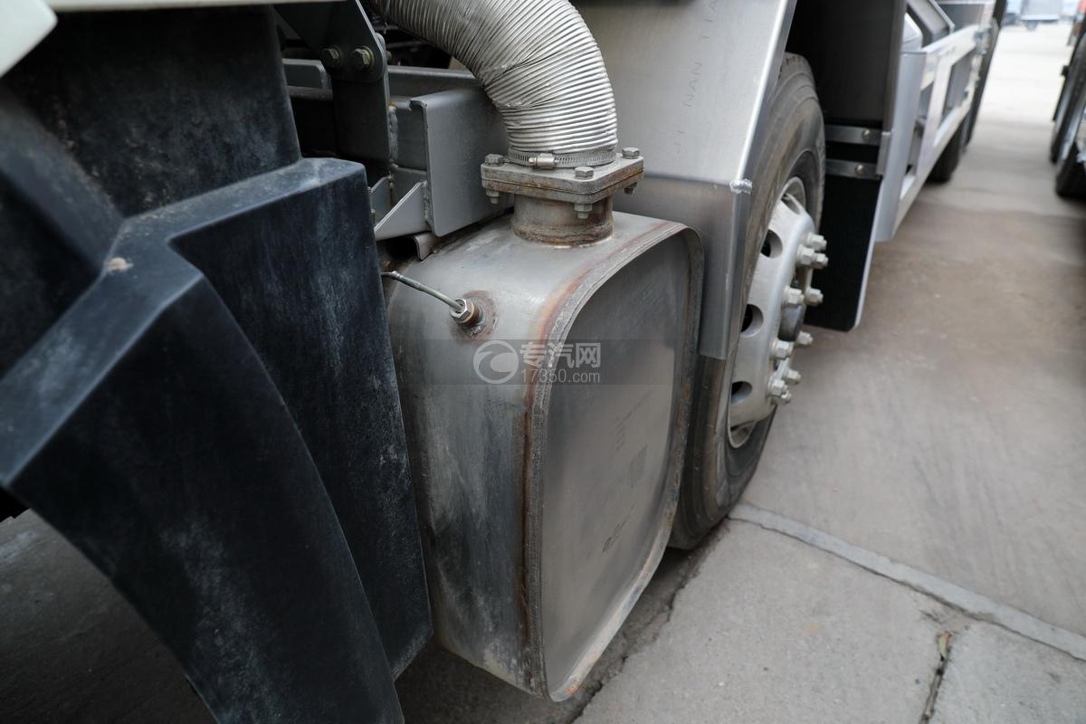 解放J6前四后八國五27方鋁合金運油車尾氣處理裝置