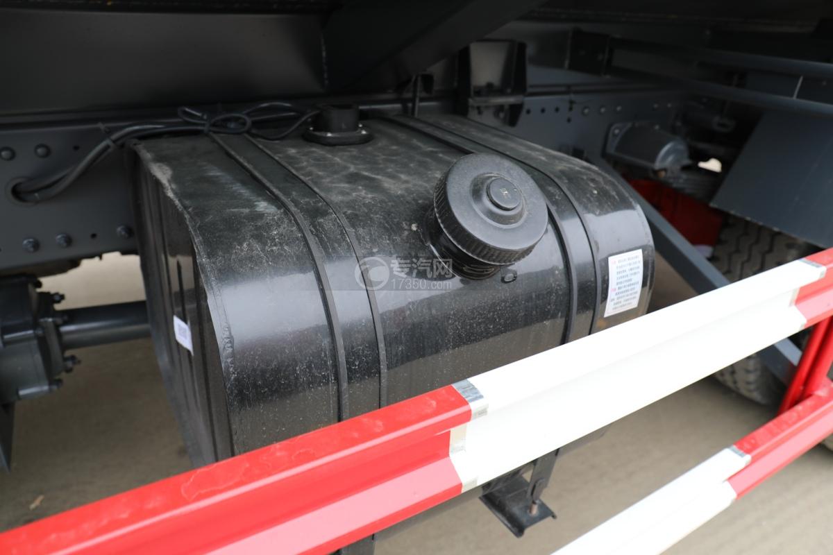 东风多利卡D9国六11.1方洒水车带电子洒水炮油箱
