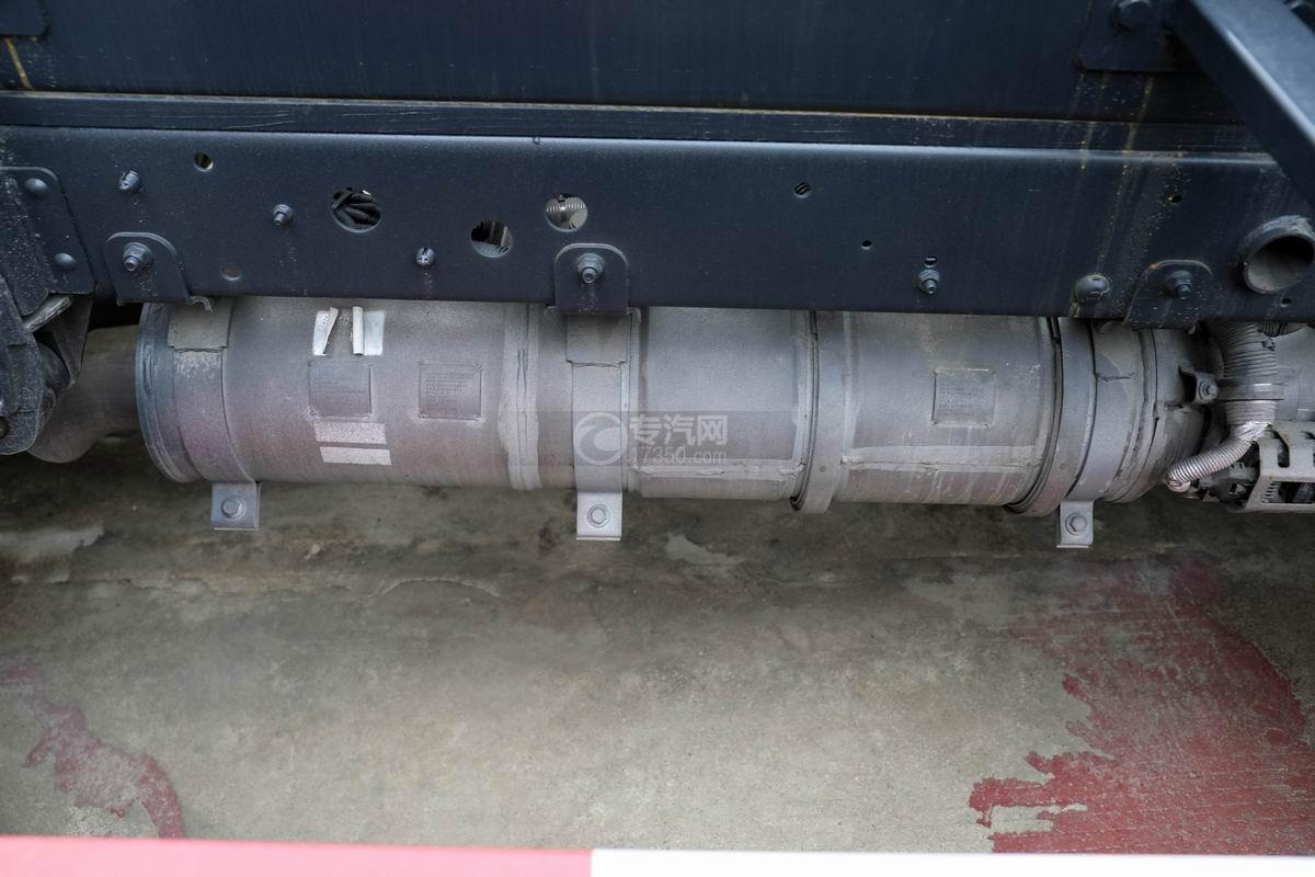 福田時代領航國六小卡之星車廂可卸式垃圾車排氣管
