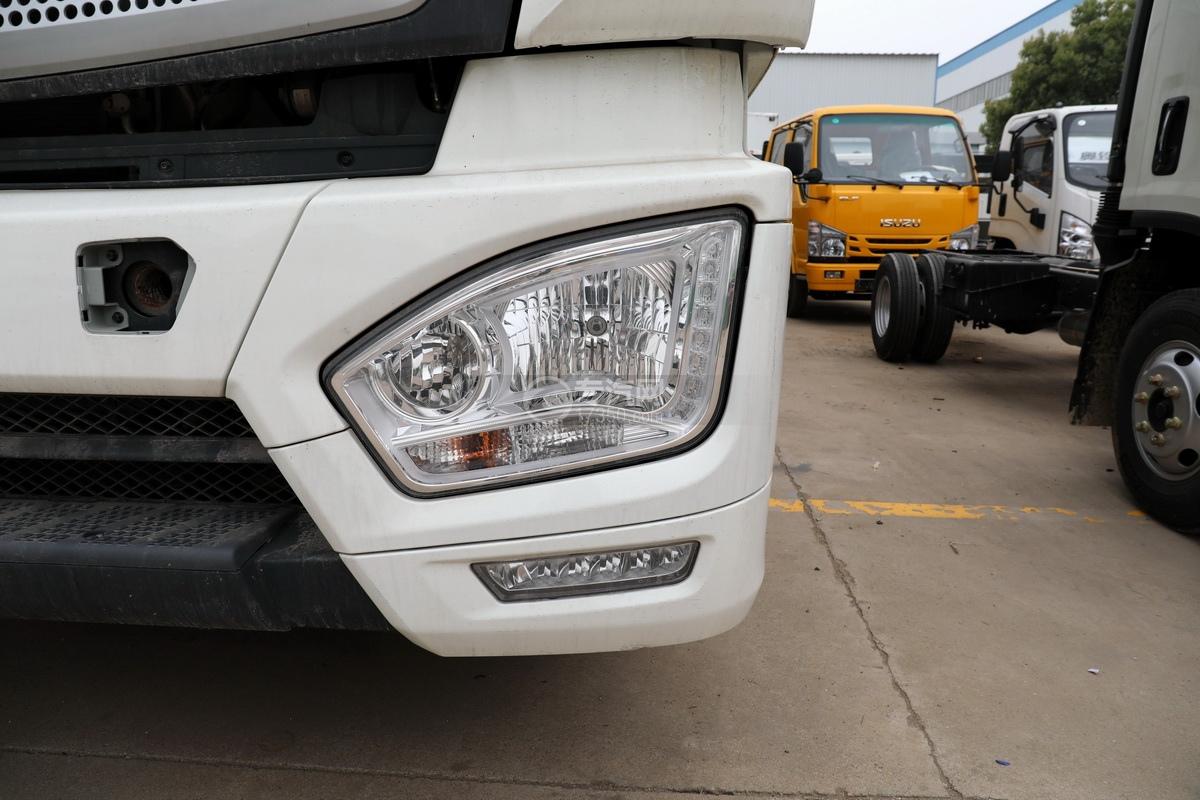 福田歐曼CX12前四后八國六鋁合金廂式畜禽運輸車車燈