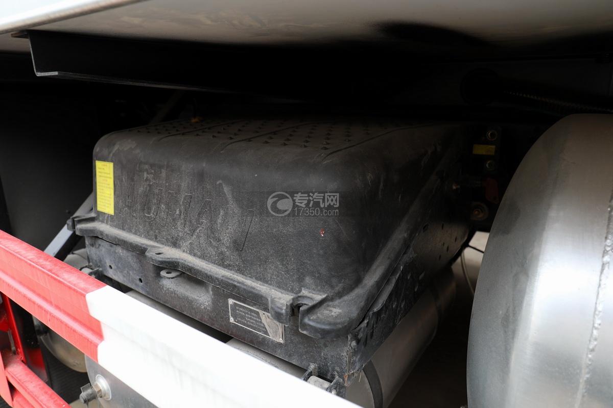 福田歐曼CX12前四后八國六鋁合金廂式畜禽運輸車蓄電池